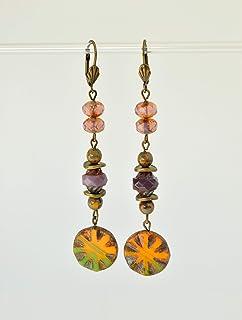 Orecchini lunghi con perle di vetro ceco arancione e viola, regali unici fatti a mano per le donne.