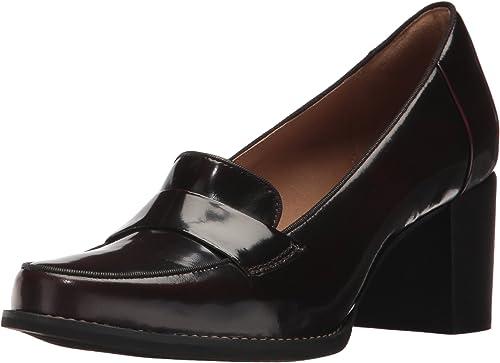 CLARKS Wohommes Tarah Grace Penny Loafer, Burgundy Shiny Leather, 10 M US