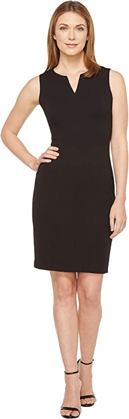 Calvin Klein - Split V Seamed Sheath Dress CD7C1R8Q