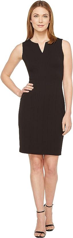 Calvin Klein - Split V Seamed Sheath Dress CD7C1R8Q