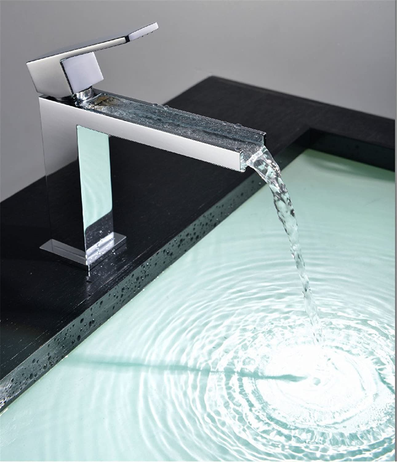 Hlluya Professional Sink Mixer Tap Kitchen Faucet The copper hot and cold basin tap on the tub faucet waterfall Faucet