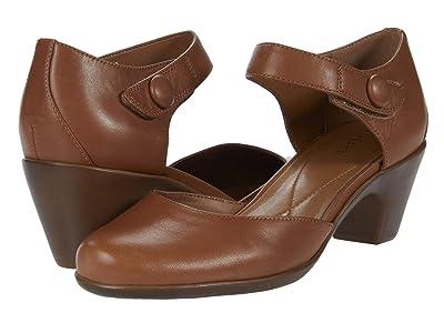 Easy Spirit Clarice (Medium Brown) Women
