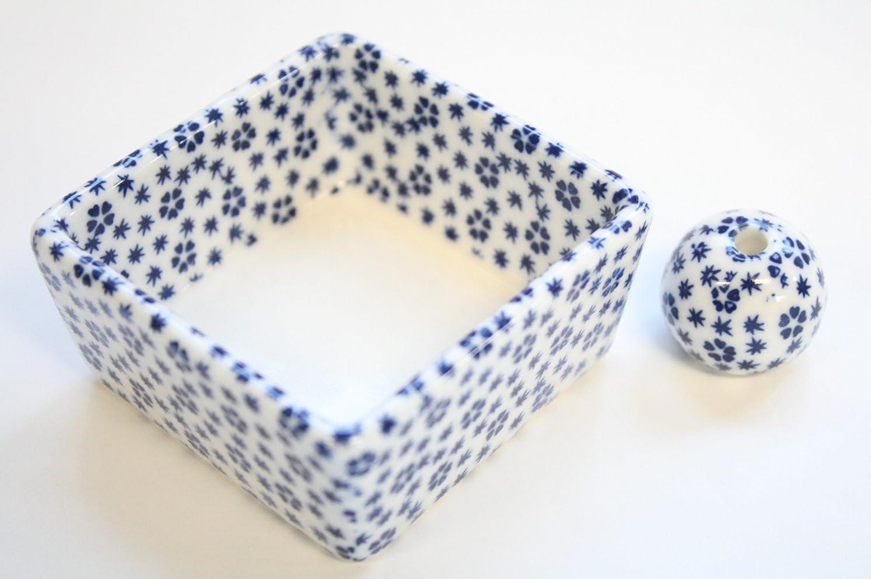ファウルサージ辛い和モダン 桜小紋(青) お香立て 陶器 角鉢 製造直売品