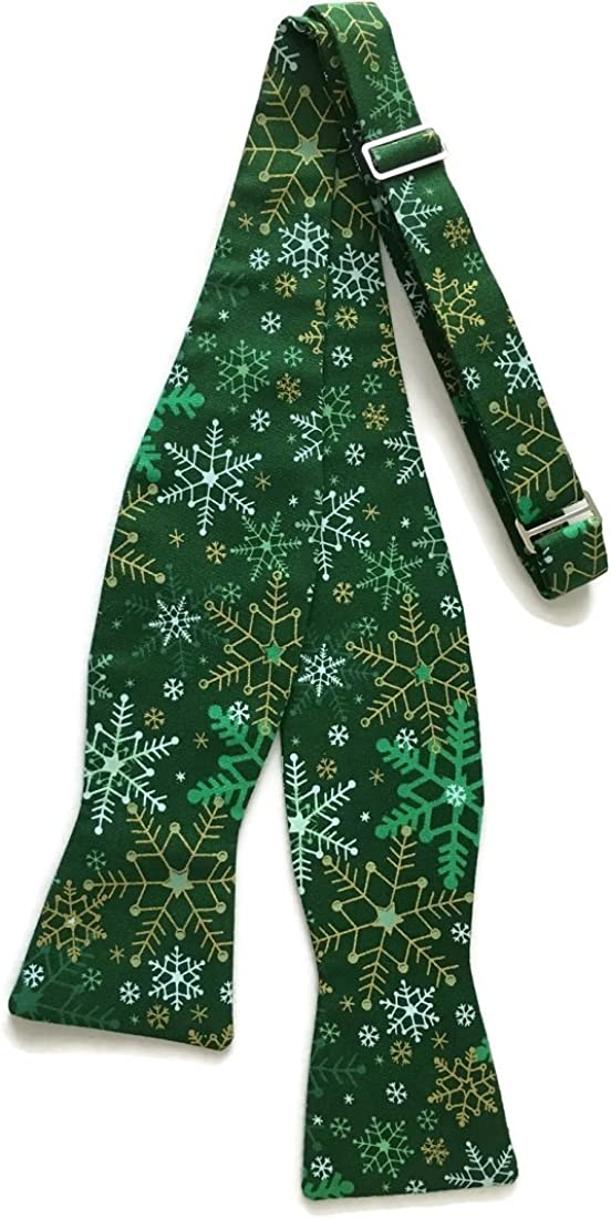 Holiday Bow Ties Mens Self-tie Green Snowflakes Bow Tie with Gold Metallic
