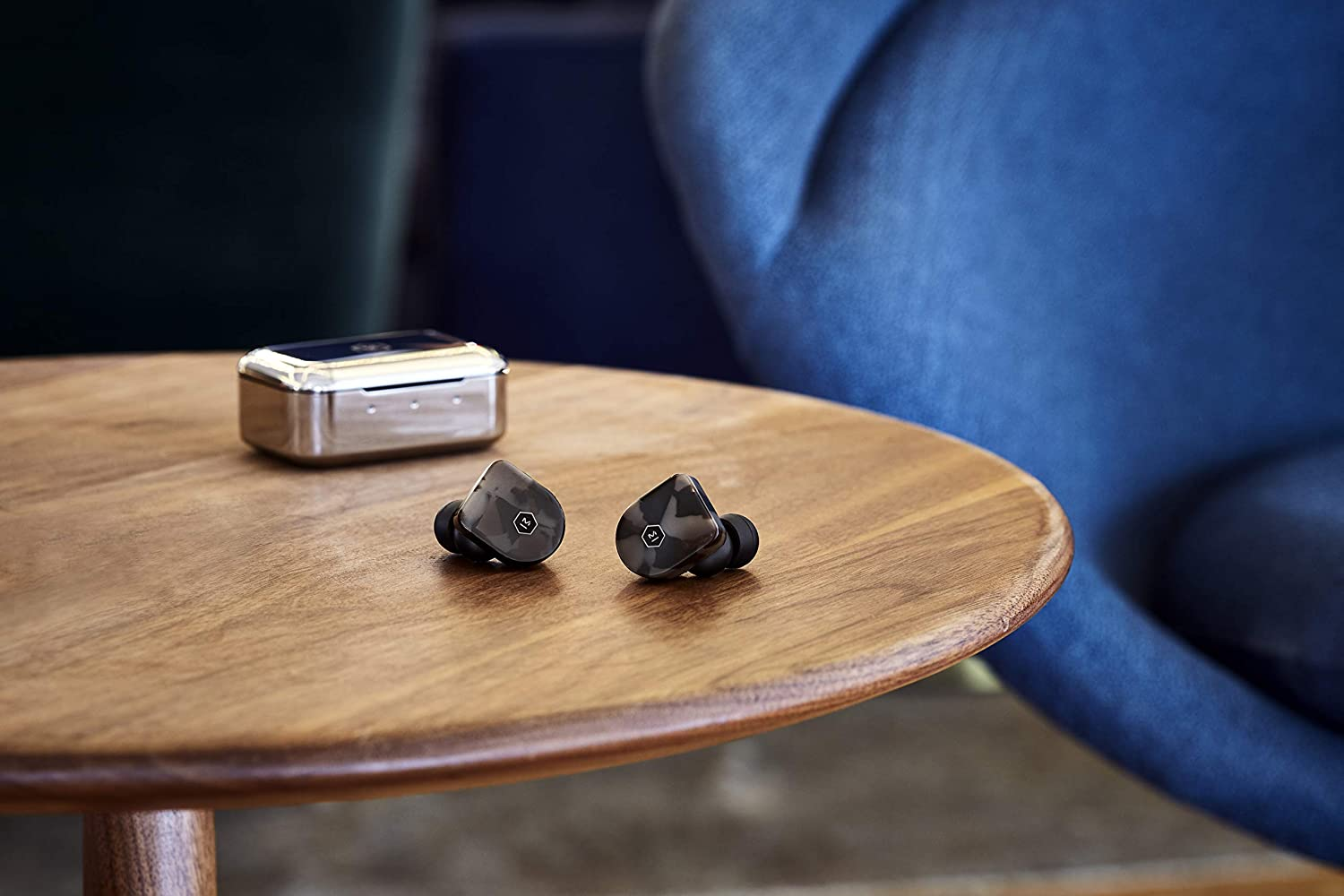 Master & Dynamic MW07 True Wireless Earphones - Bluetooth Enabled Noise Isolating Earbuds - Lightweight Quality Earbuds for Music