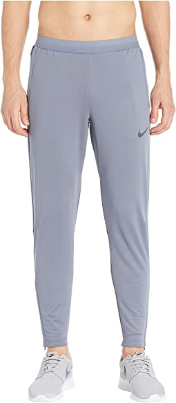 930ee4d3ab45 Nike therma essential running pant