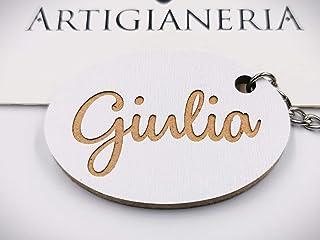 ArtigianeriA - Portachiavi in legno, personalizzato con nome in corsivo a scelta. Realizzato a mano interamente in Italia....