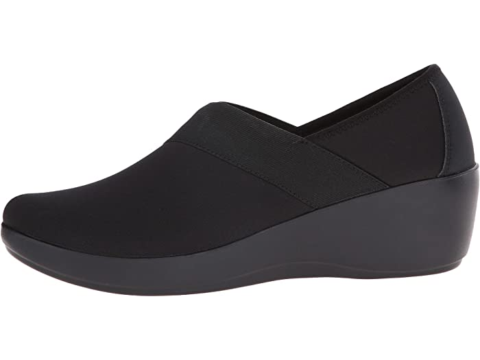 Crocs Womens Busyday Asym Graphic Wedge Flat