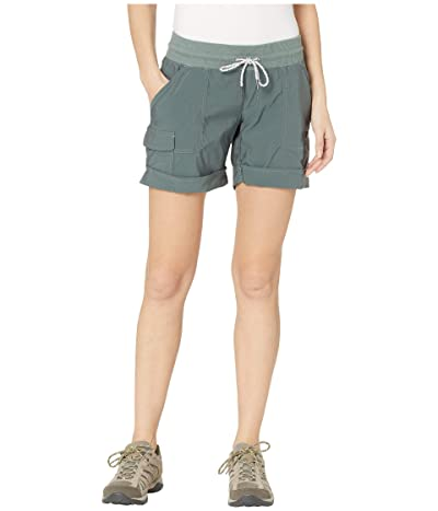 Columbia Pilsner Peaktm Pull-On Cargo Shorts (Pond) Women