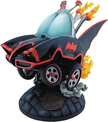 Batman MAY162911 DC 66 Batmobile Estatua
