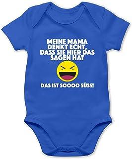 Shirtracer Sprüche Baby - Emoticon - Meine Mama Denkt echt, DASS sie Hier das Sagen hat. Das ist Soooo süß! - Baby Body Kurzarm für Jungen und Mädchen