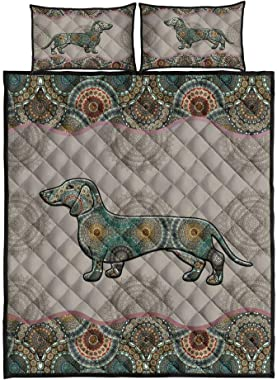 Personalized Dachshund Quilt, Irish Luck All-Season Warm Quilt King Queen Twin Throw Size - Best Decorative Gifts for Mom Dad