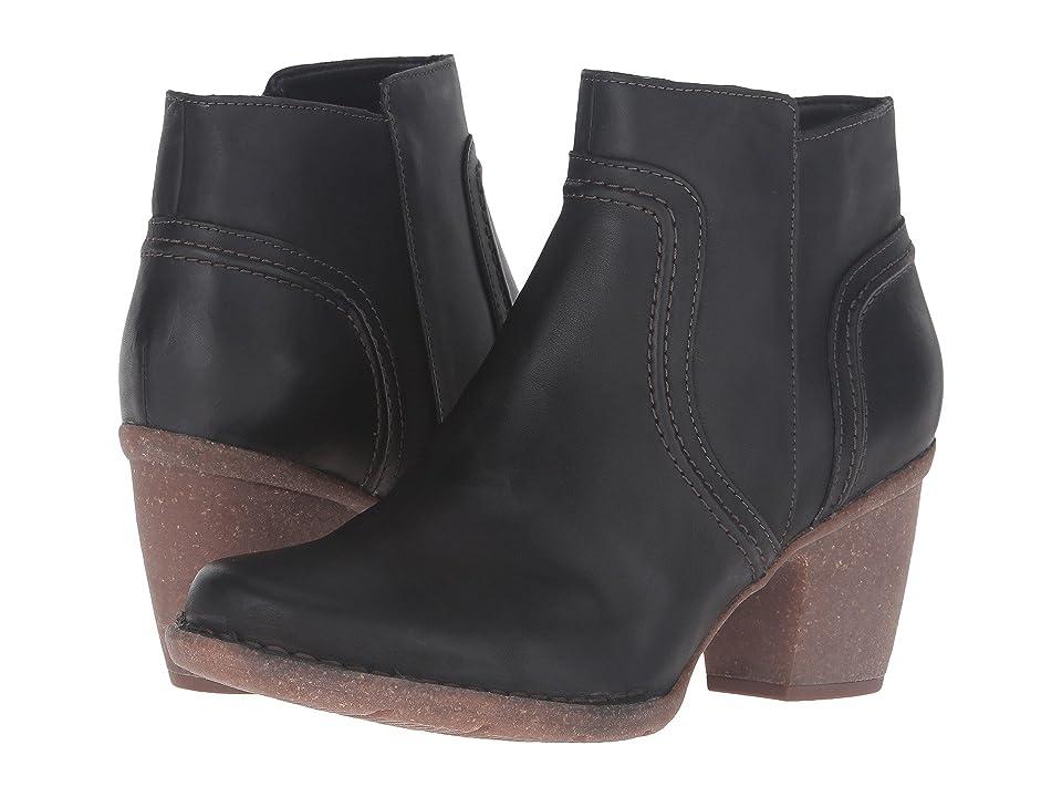 Clarks Carleta Paris (Black Leather) Women