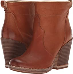 Marge Short Pull-On Boot