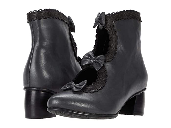 Vintage Boots, Retro Boots Spring Step Selenia Black Womens Shoes $134.96 AT vintagedancer.com