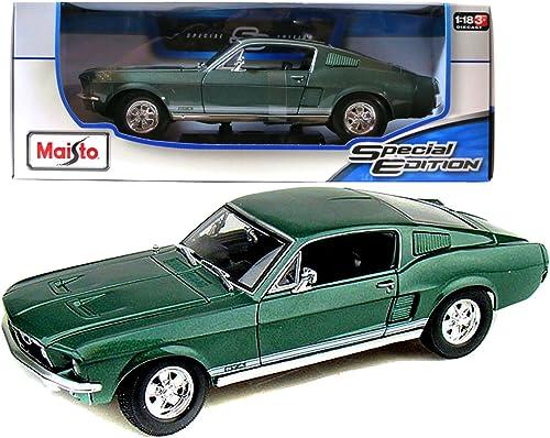 1967 Ford Mustang GTA Fastback 1 18 Grün
