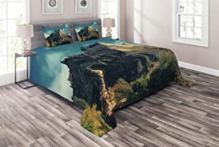 Ambesonne Edinburgh Coverlet, European Landmark Photo with Famous Castle on Rock Cliffs with Fountain UK, 3 Piece Decorative Quilted Bedspread Set with 2 Pillow Shams, King Size, Multicolor