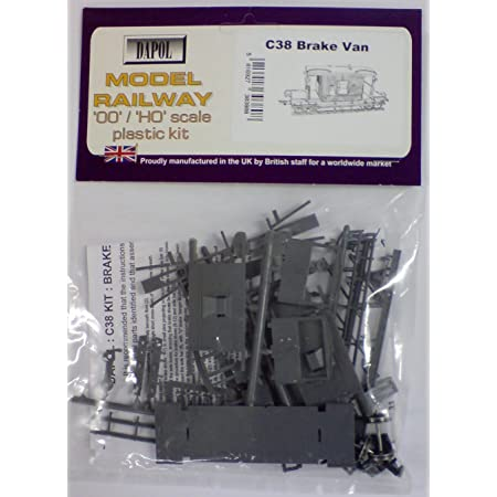 Dapol Model Railway Cattle Wagon Plastic Kit OO Scale 1//76 by Dapol