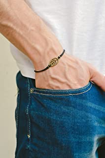 Pulsera para hombres. Leaf bracelet for men, men's bracelet, bronze leaf cutout charm, black cord, gift for him, nature bracelet, men's jewelry.
