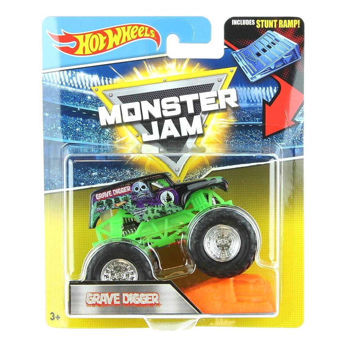 Hot Wheels Monster Jam 1:64 Grave Digger includes Stunt Ramp 2017