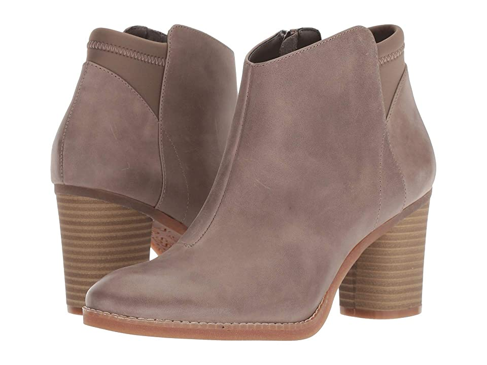 SoftWalk Kora (Taupe) Women