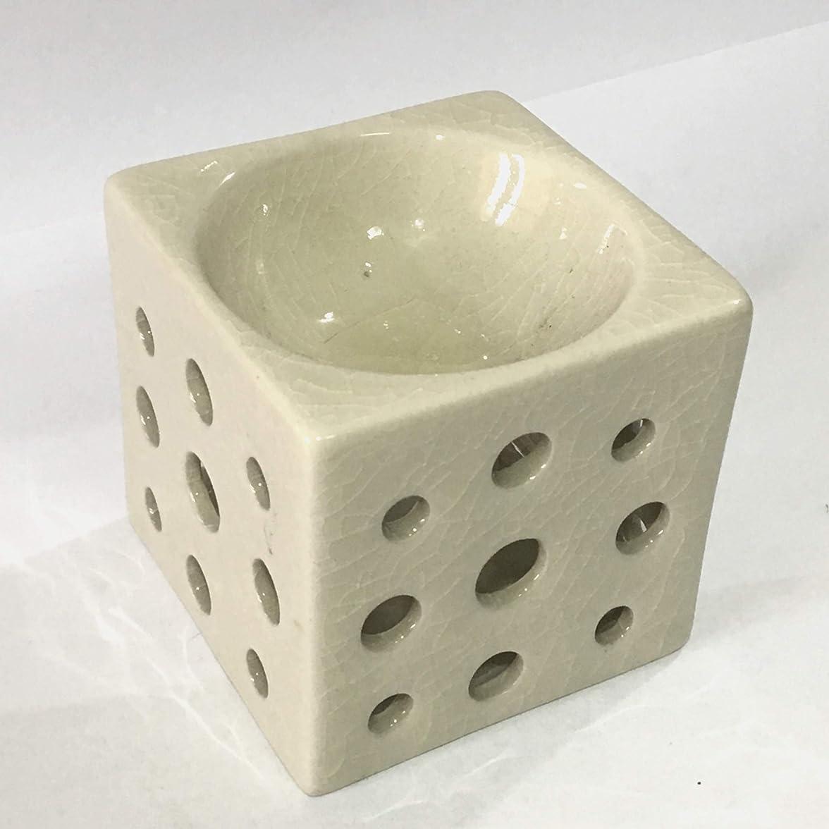 民主主義ちょうつがい規制アロマポット (白) 角型 チェンマイ産 香炉 陶器 アロマ炉 タイ