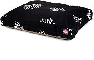 سرير كلاب أسود كبير مستطيل الشكل ومزين برسومات الشُّعب المرجانية من ماجستك بت بروداكتس، للأماكن الخارجية والداخلية مزود بغ...