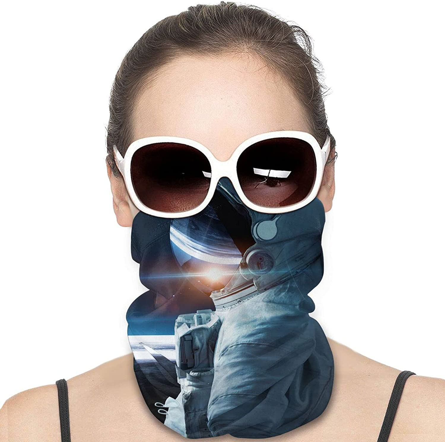 Space Man Round Neck Gaiter Bandnas Face Cover Uv Protection Prevent bask in Ice Scarf Headbands Perfect for Motorcycle Cycling Running Festival Raves Outdoors