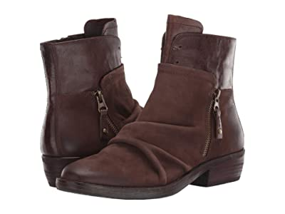OTBT Yokel (Dark Brown) Women