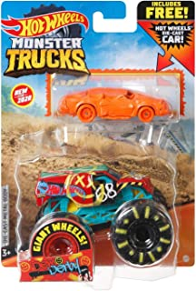 Hot Wheels Monster Trucks 1:64 Scale Demo Derby, Includes New Crushed Car