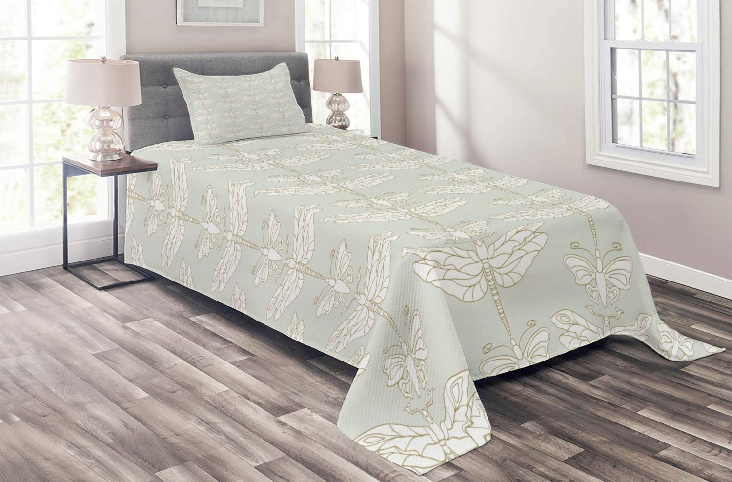 Ambesonne Dragonfly Coverlet Max 53% OFF Flying and Insects High order in Butterflies