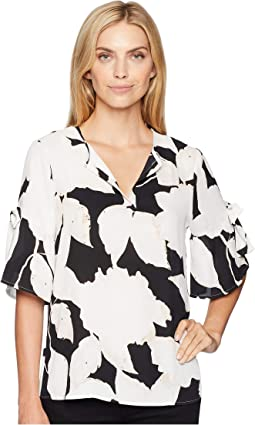 Short Sleeve V-Neckline Floral Top with Open Hem