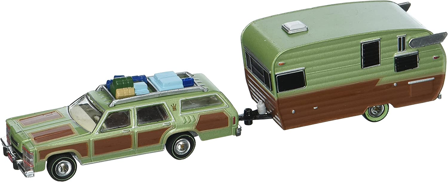 1979 Family Truckster Wagon Queen National Lampoon's Vacation (1983) with Shasta 15' Airflyte Trailer Hitch & Tow 1 64 by Grünlight 51036 by Wagon Corp B01G5RGJXI Verrückter Preis  | Moderne und elegante Mode
