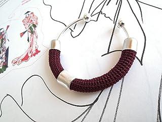 Bracciale rigido in cotone bordeaux lavorato crochet - Matitie