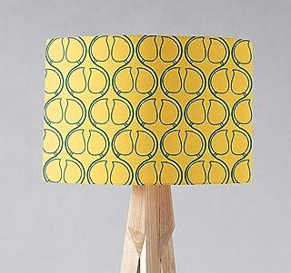 Pantalla de lámpara amarilla con diseño geométrico azul, lámpara de sobremesa o plafón.