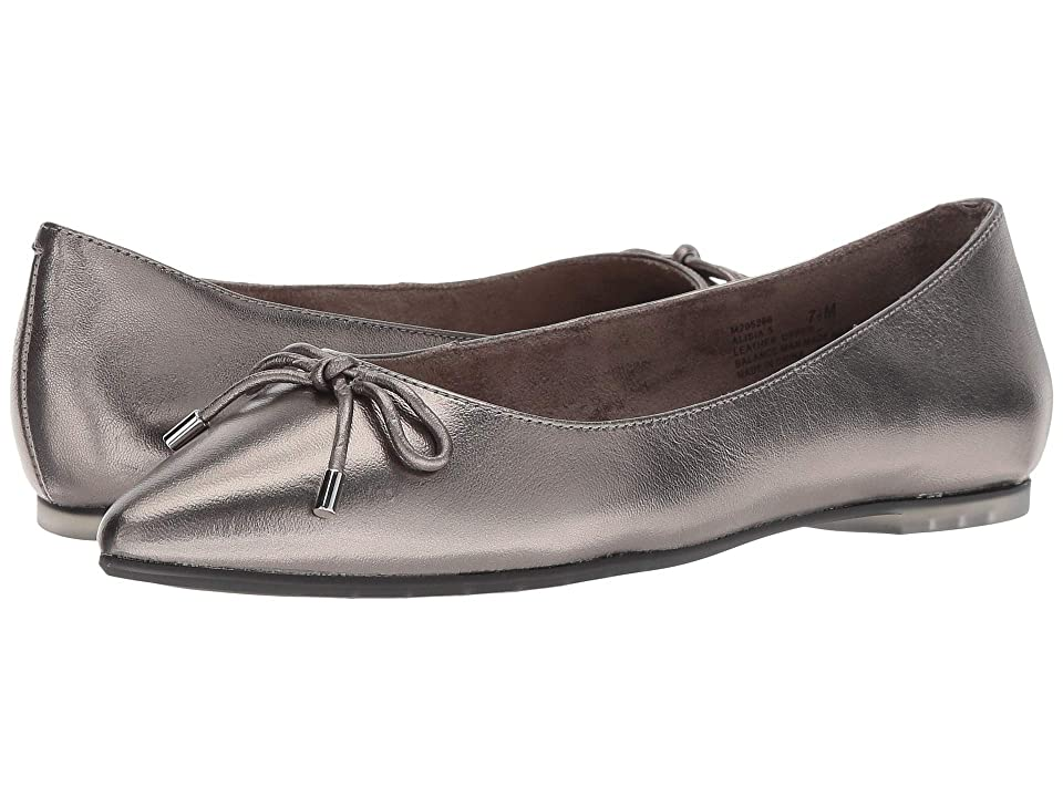 4dd8aa29d7f Me Too Alisia (Pewter Metallic Kid Leather) Women