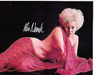 ◆直筆サイン ◆キム ノヴァク ◆Kim Novak ●オブセッション 愛欲の幻 (1991) ●新ヒッチコック劇場 (1985)[TV] ●クリスタル殺人事件 (1980) ●ジャストアジゴロ (1978) ●ホワイトバッファロー (1977...