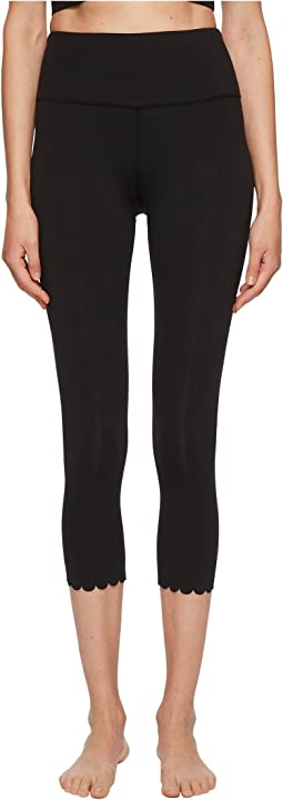 Scallop Crop Leggings