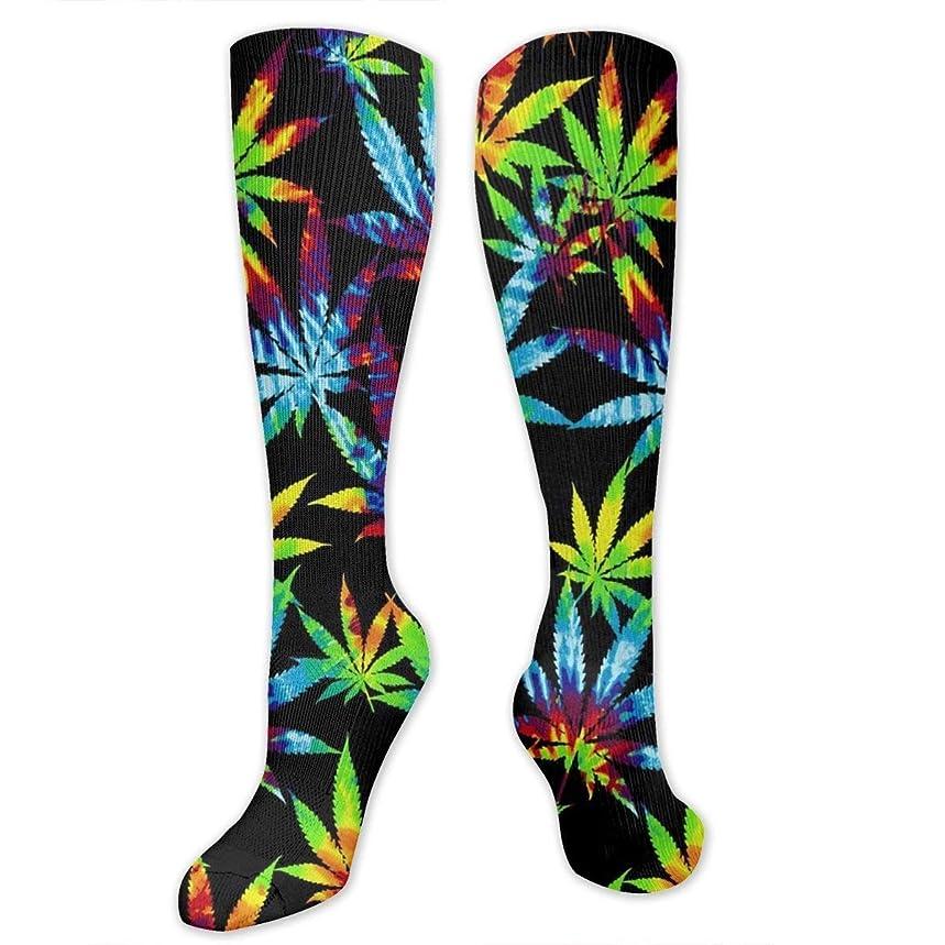 宿る符号無数のQRRIY圧縮ソックス3 Dの染みの葉の葉の抗菌アスレチック靴下男性