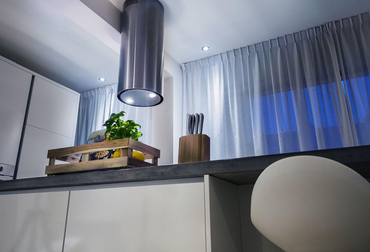 Trust Smart Home ZLED-TUNE9 - Bombilla LED Inteligente Ajustable, luz cálida a fría (controlable vía Smartphone, Philips Hue* Compatible), Color Blanco: Amazon.es: Informática