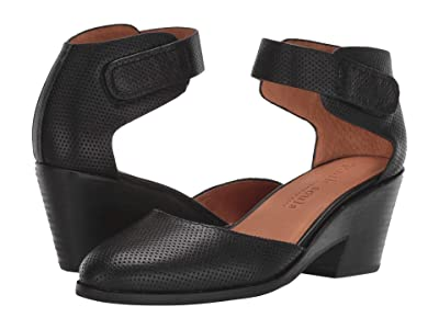 Gentle Souls by Kenneth Cole Blaise Wedge Pump (Black Leather) Women