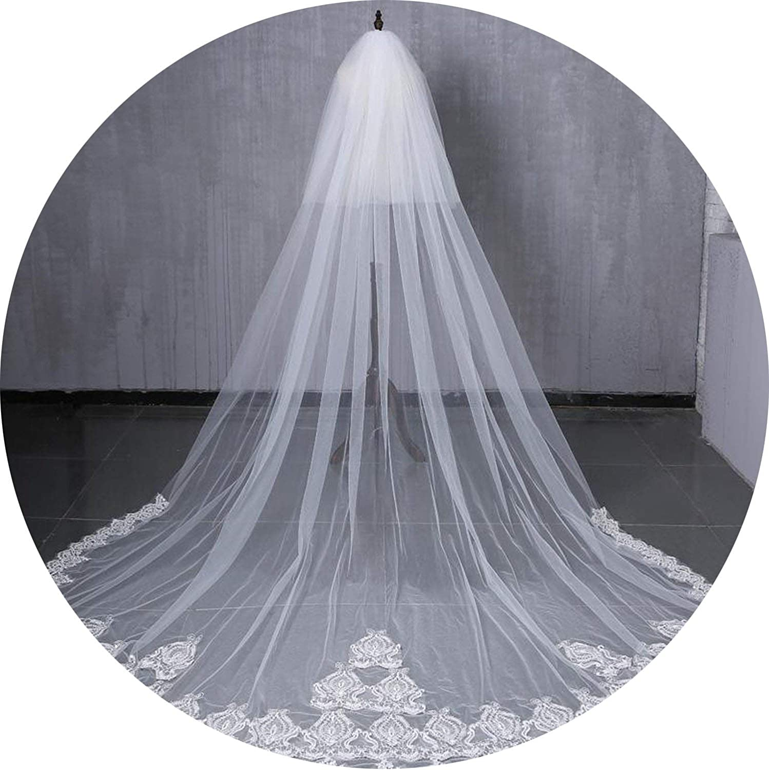 2019 Designed Bridal Veils Lace Appliques TwoLayer Amazing Wedding Veils Bridal Accessories With Combs,Ivory,300Cm