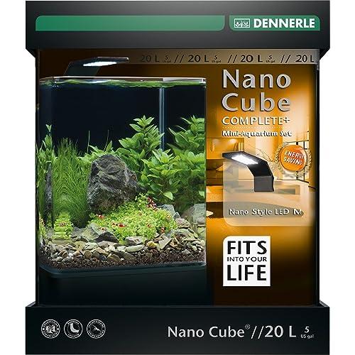 Dennerle NANOCube Complete+ 20 L - Style LED M  (mini-aquarium avec fenêtre panoramique, plaque vitrée avec trou de prise et attaches, tapis de sécurité à isolation thermique, film pour la vitre arrière, Nano Style M 6 W, filtre angulaire Nano, Nano DeponitMix : 1 kg, Nano gravier pour crevettes, noir Sulawesi : 4 kg, thermomètre d'aquarium Nano Therm) NOUVEAU
