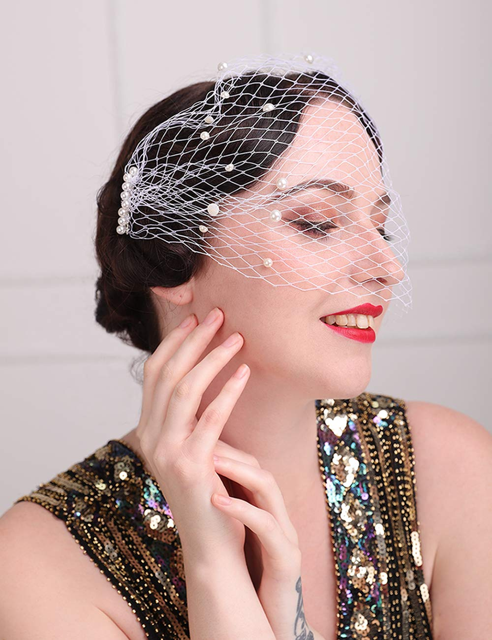 Aimimier Bridal Short Veil with Beaded Comb Champagne 1920s Flapper Fascinator Mesh Veil Single-layered Birdcage Veil for Wedding
