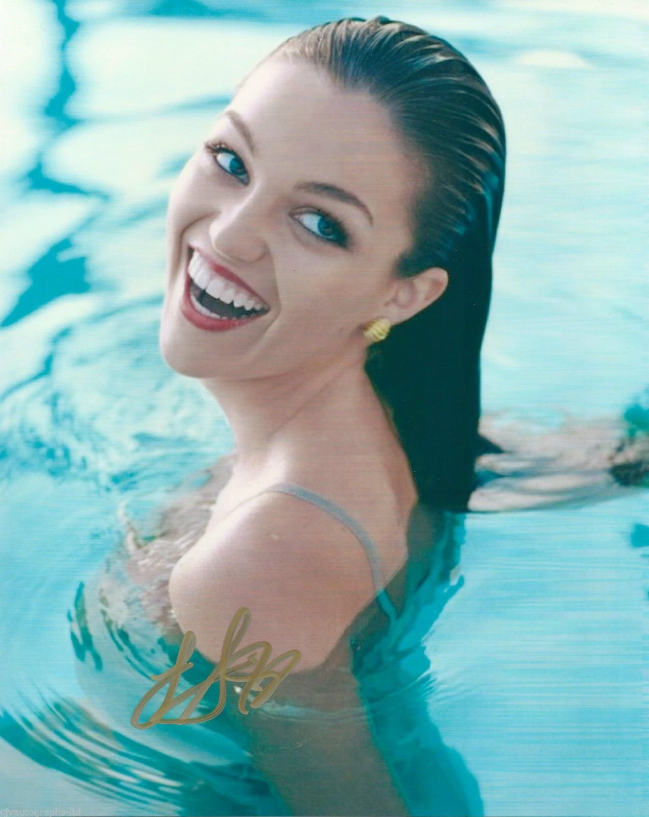 Simmons lilly Lili Simmons