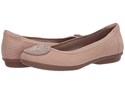 Clarks Gracelin Lola (Sand Interest Nubuck) Women