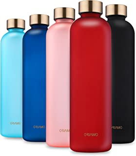 ORIAMO® Vattenflaska 1 l – läckagesäker, lämplig för kolsyra – motiverande tidsmarkering som en drickpåminnelse – Tritan-v...