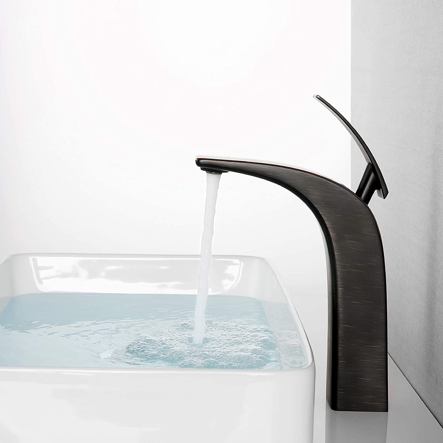 Single Hole Copper hot and Cold Water Mixing Valve Hoteltechnik Bathroom Cabinet Faucet Copper Basin Faucet ORB