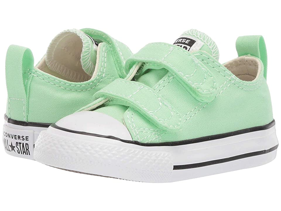 Converse Kids Chuck Taylor(r) All Star(r) 2V Seasonal Ox (Infant/Toddler) (Light Aphid Green) Girls Shoes