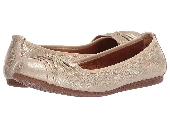 Born  Chelan (Gold Metallic) Womens Flat Shoes